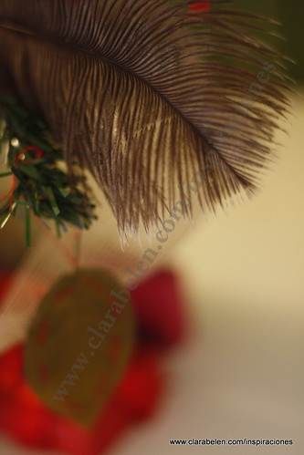 Manualidades navideñas: como hacer adornos de árbol de navidad con plumas