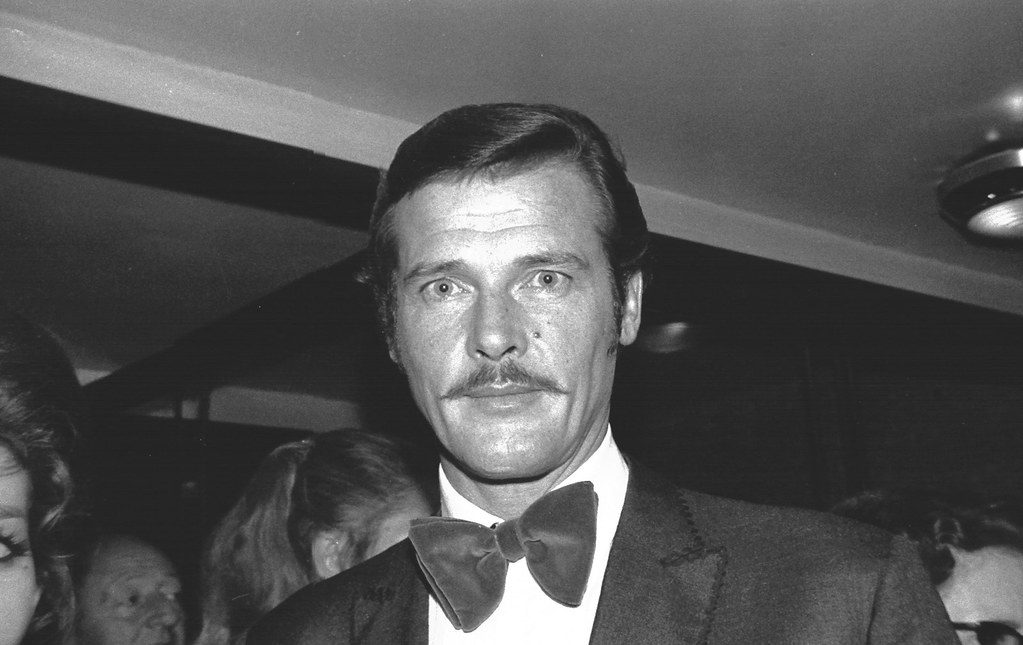 roger moore 001