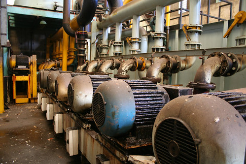 Row of pumps for the coolant system