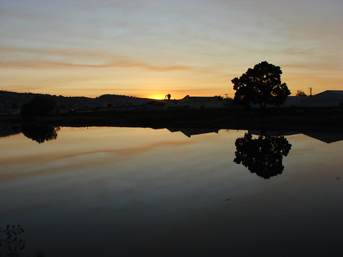 sunset reflection river geotagged dusk australia tasmania launceston 2007 geo:lat=41431566 geo:lon=147137999