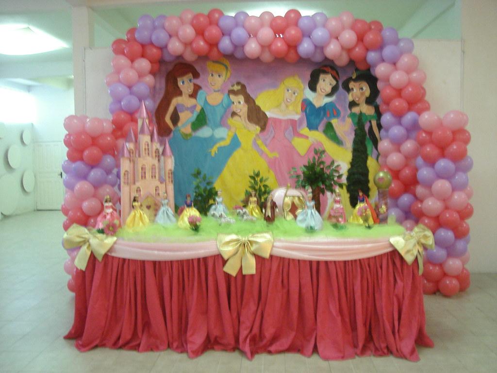 Decoração princesas Castelo feito em EVA