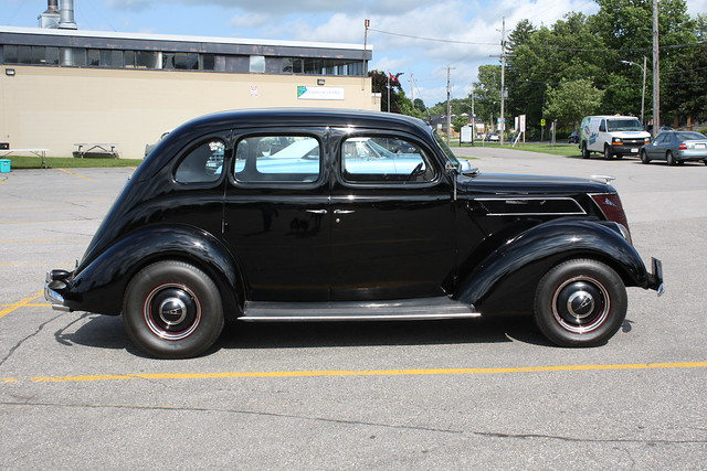 1937 ford v8 4 door for 1937 ford four door