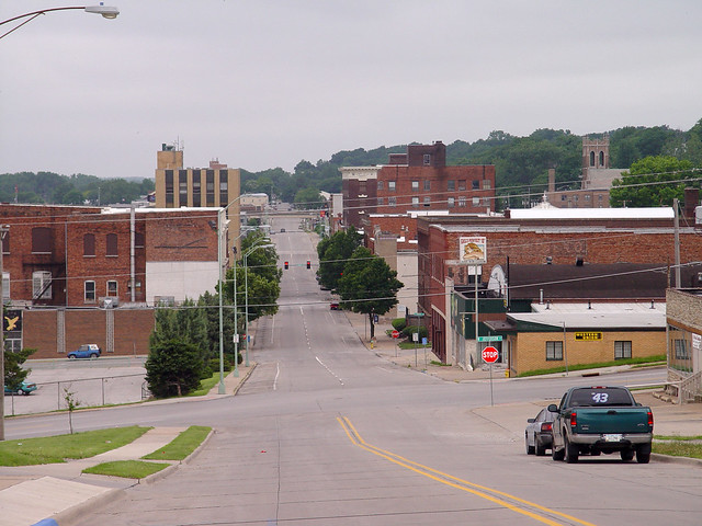 ottumwa iowa dating Ottumwa, iowa (ap) — one of two men who was dating a 17-year-old girl when she was killed in an iowa farmhouse in 1974 testified wednesday that he went to see her around the time she disappeared but had nothing to do with her death ron nichols, a 62-year-old retiree who splits time between.