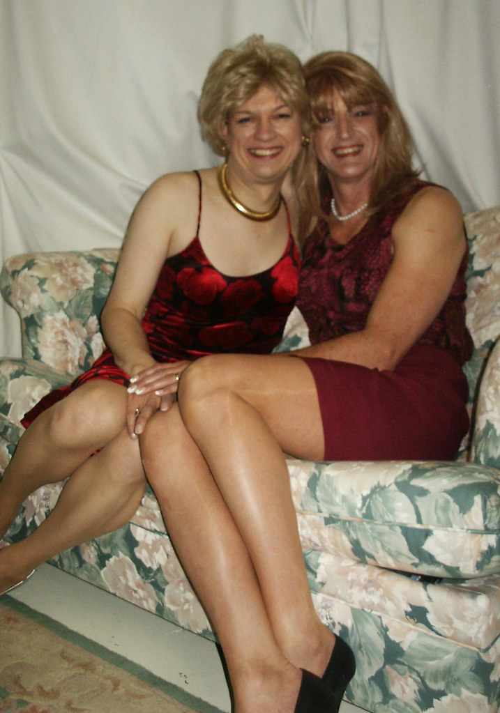 reeds milfs dating site Join milf sex site - iwantumilfcom meet hot milfs looking for nsa sex and hook ups hundreds of real sexy milfs are online join right now.