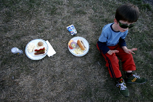 nick sitting down to eat at his elementary school picnic    MG 3834
