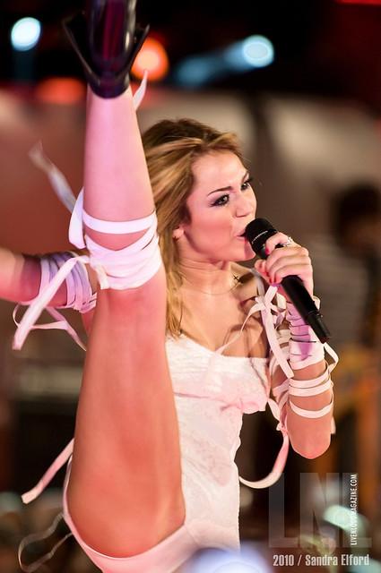Miley Cyrus Flash