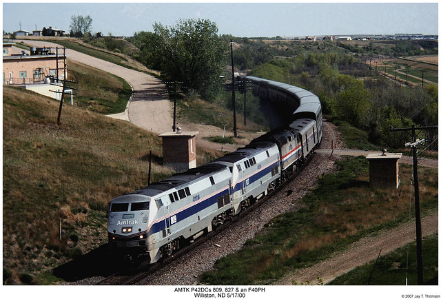 Amtrak P40DCs 809, 827 and an F40PH