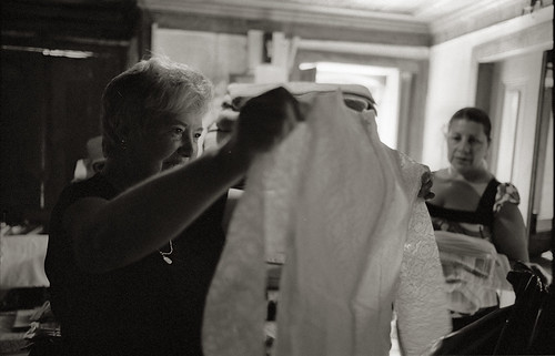 My Mother Finds a Wedding Dress, Casa da Avó, Vila Boa