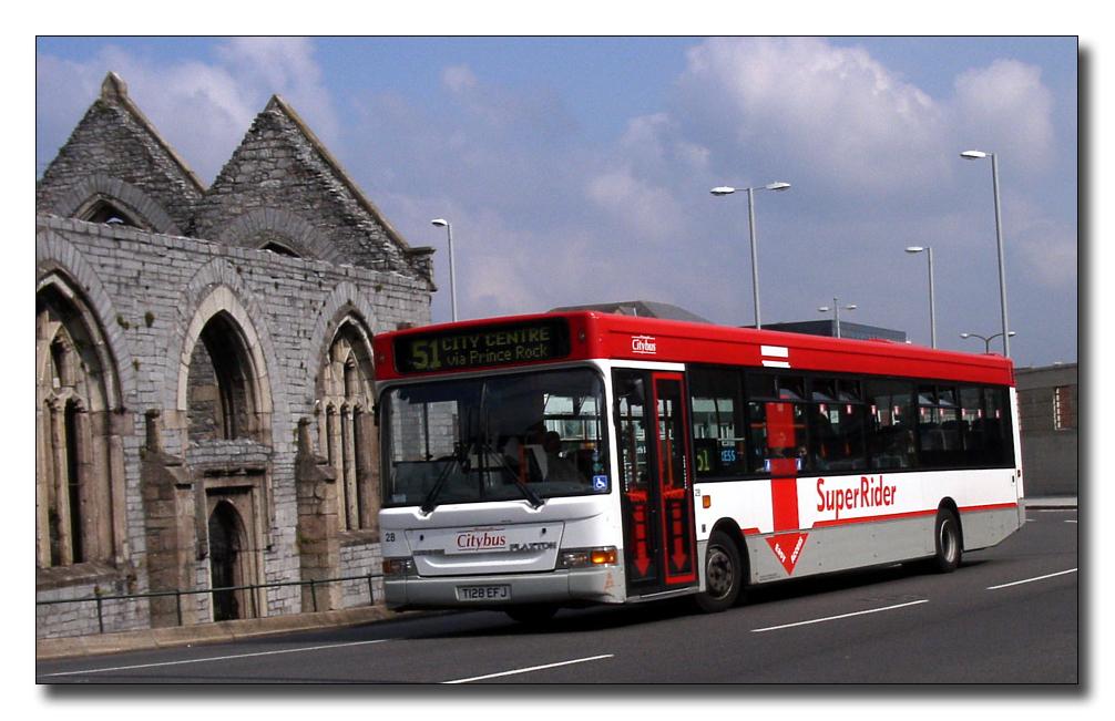 Plymouth Citybus 028 T128EFJ