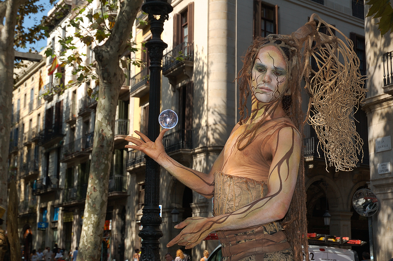 barcelona photoblog street artists in la rambla barcelona human statue. Black Bedroom Furniture Sets. Home Design Ideas