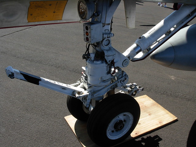 F 18 Nose Landing Gear Flickr Photo Sharing