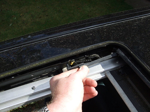 Mercedes w123 sunroof removal for Mercedes benz sunroof repair
