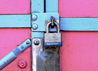 geometrically locked