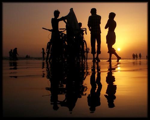 pakistan sunset sea sky art beach water colors silhouette clouds golden view karachi clifton sindh khatri flickrsbest fe180 aliraza