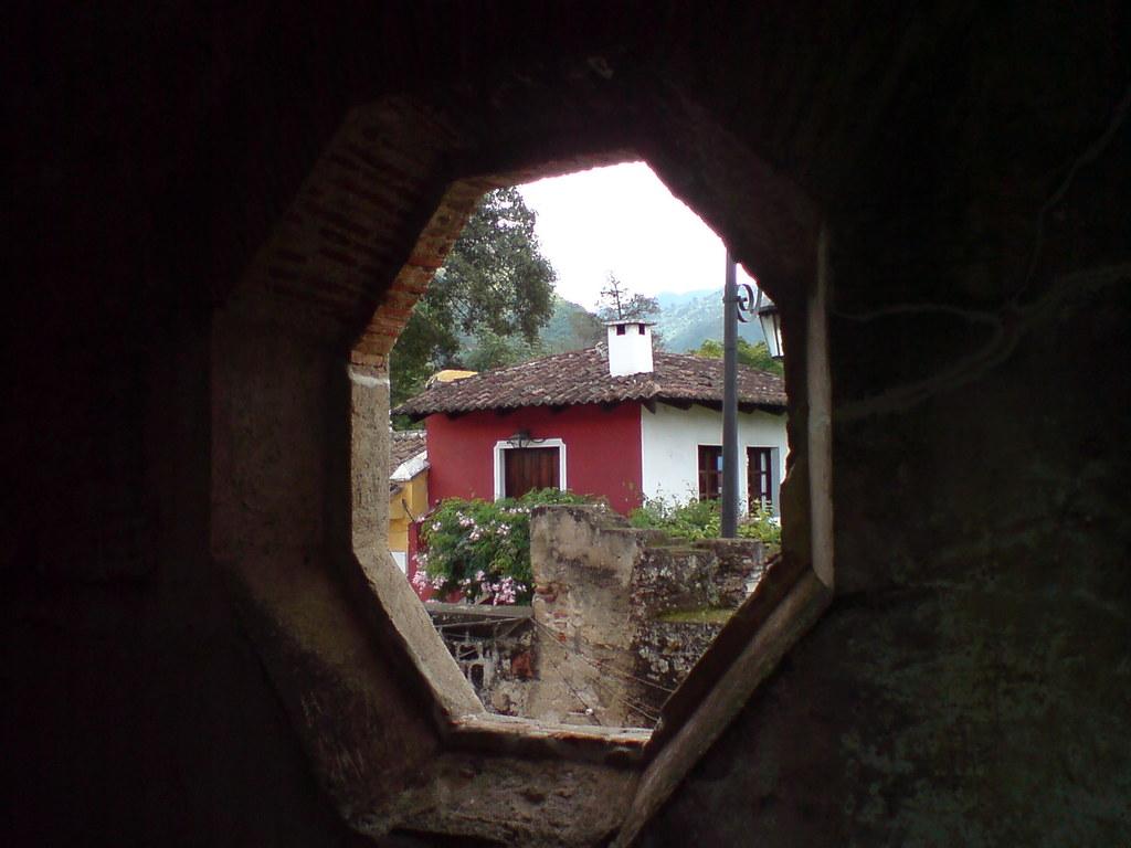 Ventana octogonal, Capuchinas, Antigua Guatemala