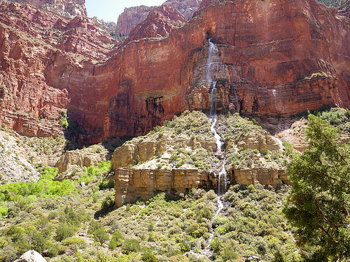 grand canyon's waterfalls