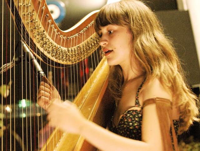 Joanna Newsom, Stormy Records, Dearborn, MI, 6/15/04
