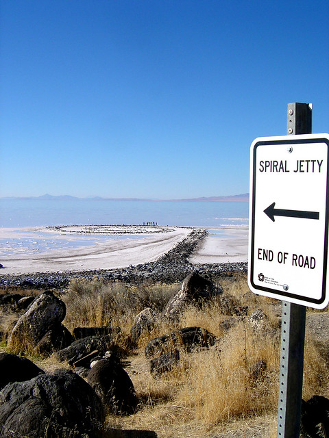 Spiral Jetty, Utah saltlake - earth work by Robert Smithson