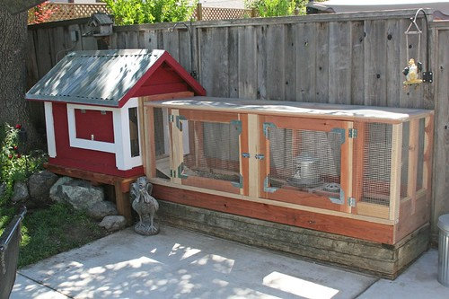 15 cute chicken coops for Cute chicken coop ideas