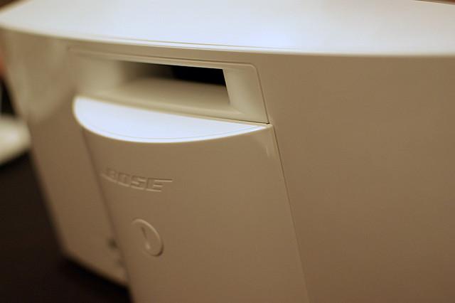 Photo:SoundDock Portable White backside By HAMACHI!
