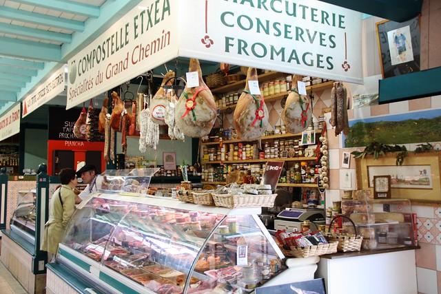 Puesto de Embutidos en el Mercado de Saint Jean de Luz by jlastras, on Flickr