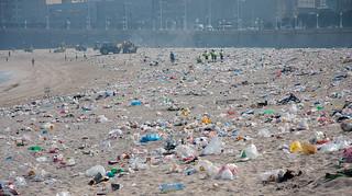 Imagen de Praia do Orzán Playa del Orzán cerca de A Coruña. beach playa shit basura waste mierda desperdicios