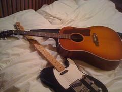 ukulele(0.0), viol(0.0), viola(0.0), slide guitar(0.0), cavaquinho(0.0), jazz guitarist(0.0), cuatro(1.0), string instrument(1.0), acoustic guitar(1.0), guitar(1.0), electric guitar(1.0), vihuela(1.0), acoustic-electric guitar(1.0), bass guitar(1.0), string instrument(1.0),