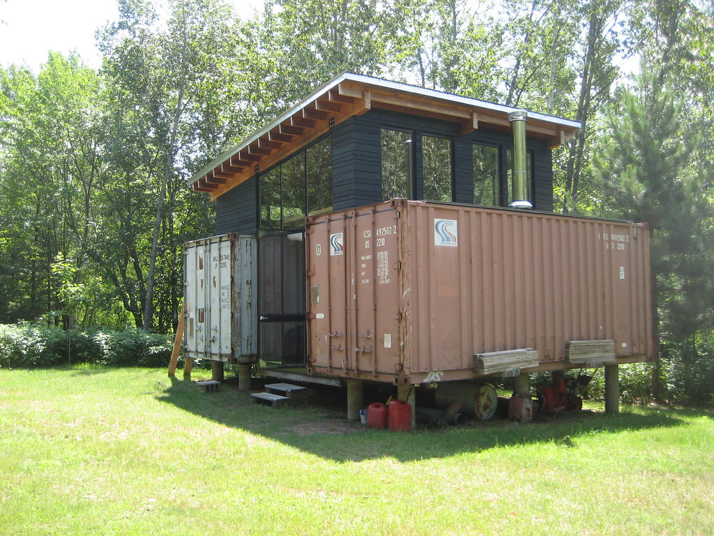 Shipping container houses enemy2fashion - Storage containers as homes ...