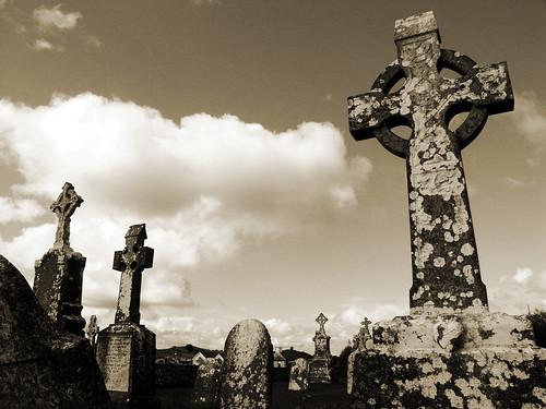ireland abbey sepia cross clonmacnoise irland eire kreuz min kloster 2007 highcross setsepia malona 070815