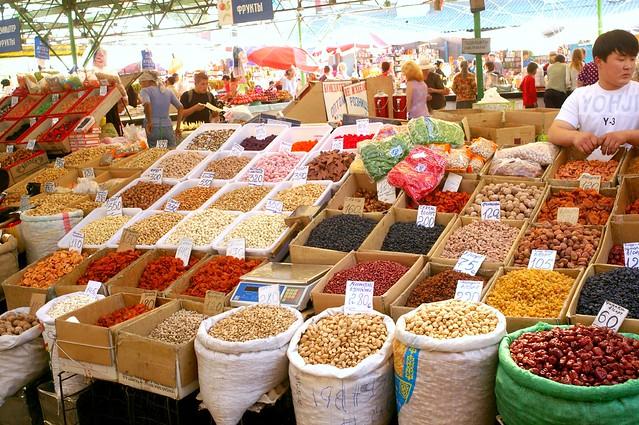 Osh Bazaar Bishkek, Kyrgyzstan by CC user depenbusch on Flickr