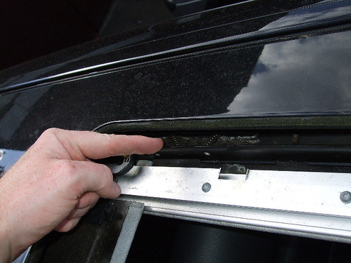W210 sunroof woes and how to cure them mercedes benz for Mercedes benz sunroof repair
