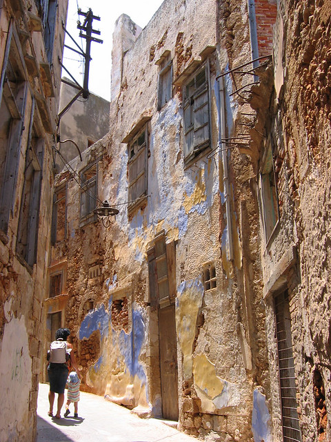 Alex and Nicola striving around an old quater in the city of Hania, Crete