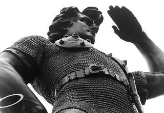Imagen de Leif, the Discoverer. bw statue milwaukee