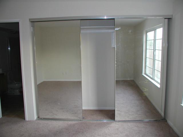 closet mirror sliding doors 1