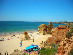 beach  in portugal: portimao;the name is the men come from deutchland strand ranta(umibe):пляж plaża:portuguese riviera:Portimão is also a city with great sporting events. It is here, that in the summer, the Mundialito de Futebol de Praia  of Beach Football. Even the Rally Lisbon-Dakar goes through this city, where you can also see Surf and Kitesurf.  In the hills near Portimão the Autódromo Internacional do Algarve has been built (it was finished in October 2008), a race and test circuit officially recognised for the highest categories both for cars and motorcycles. Superbike and A1 Grand Prix races and F1 tests are scheduled.