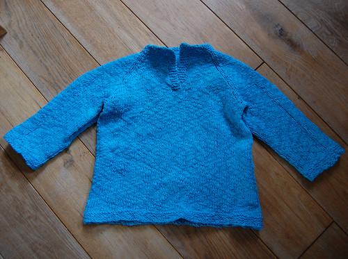 Child's Placket-Neck Pullover version #2 01 by het groene kamertje