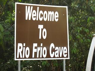 Obrázek Rio Frio Cave u Cayo District. vacation sign honeymoon belize cayo riofriocave riofiocave dopplr:explore=eej1