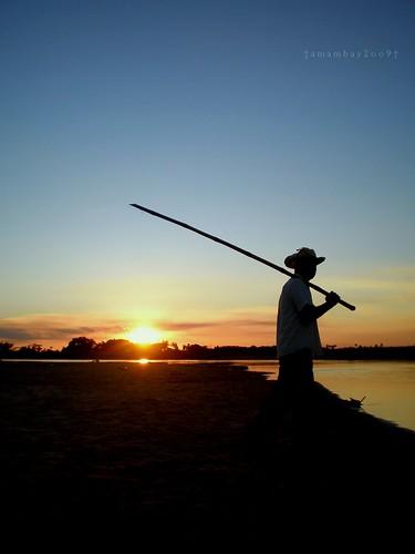 blue sunset sky sun sol azul río river contraluz atardecer fishing paraguay pescador amambay