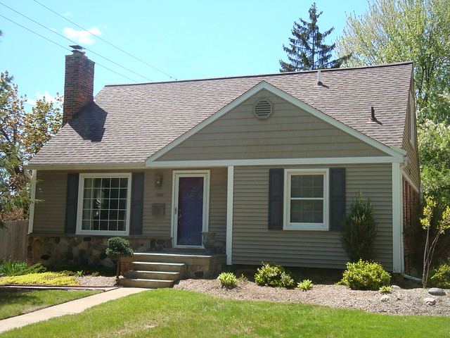 Bloomfield Construction - Vinyl Siding
