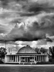 dead planetarium