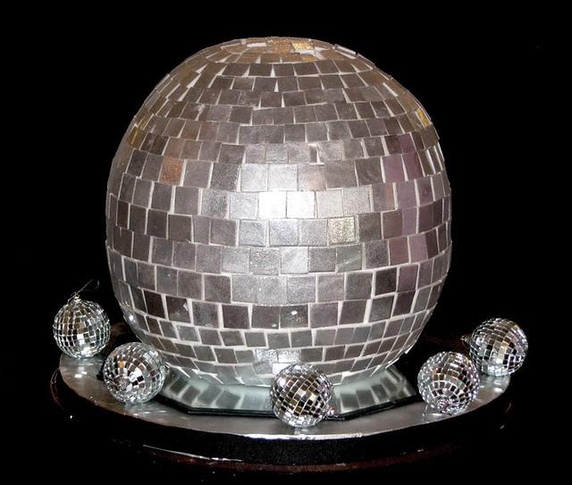 Cake Decorating Disco Ball : Disco Ball Cake Decorations Foto Artis - Candydoll