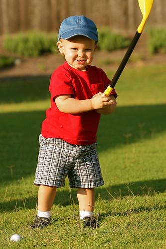 kid golfing