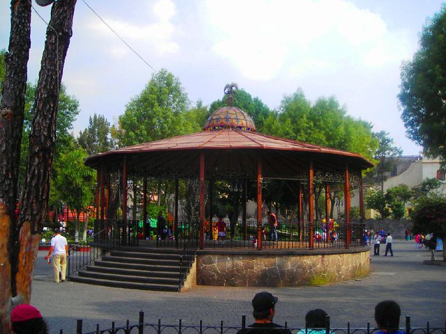 Coyoac n jard n hidalgo kiosko flickr photo sharing for Jardin hidalgo