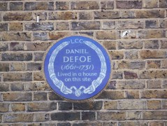 Photo of Daniel Defoe blue plaque