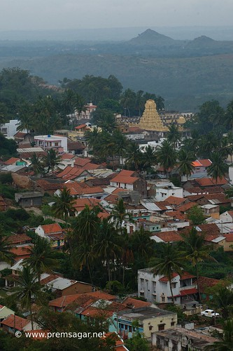 The temple town of Melukote