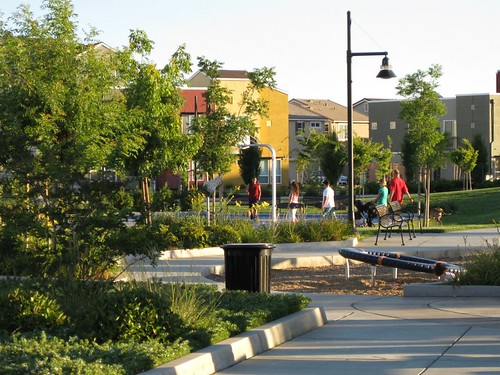 Capital Village, Rancho Cordova CA (courtesy of Eric Fredericks, neighborhoods.org)