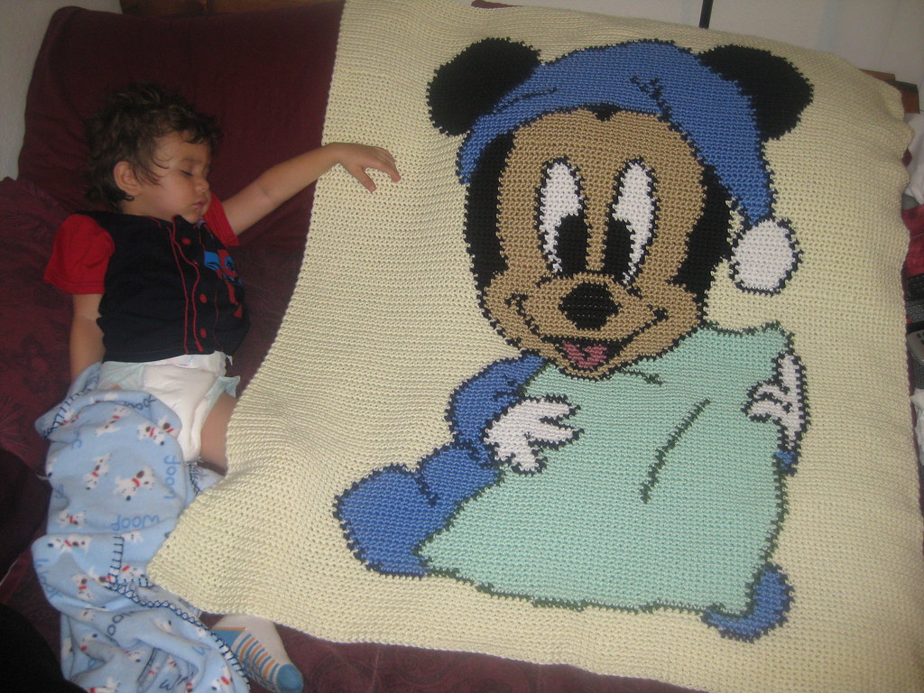 Mickey Mouse Crochet Baby Blanket Pattern : BABY DISNEY COLORING PAGES : BABY DISNEY - 100 COTTON BABY ...