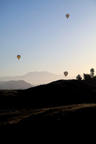 california usa mountains hot fog sunrise balloons landscape air hills vineyards valley hotairballoons temecula