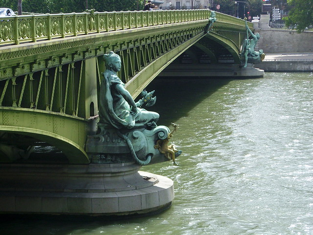 Sous le pont Mirabeau-32