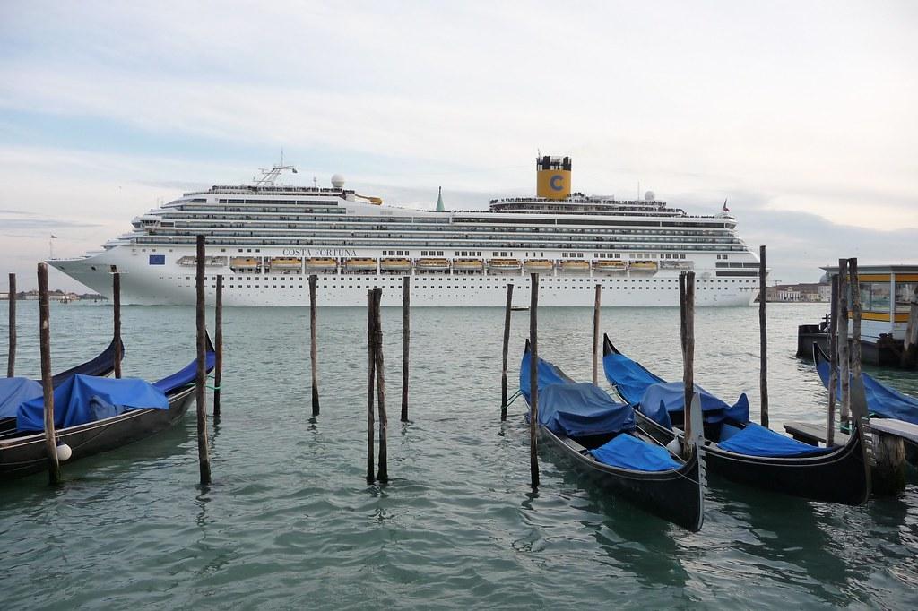 Blocco delle grandi navi da crociera a Venezia